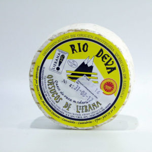 Queso artesano de Cantabria de Vaca madurado Rio Deva