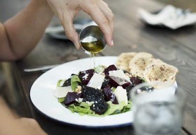 Aceite de oliva engorda