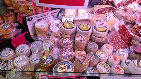 Mostrador de quesos de Cantabria DiFERENTE Vargas
